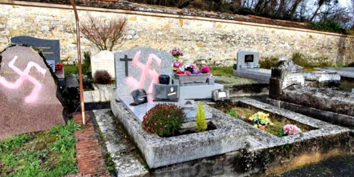 Most éppen egy nemzsidó temetőt gyaláztak meg Franciaországban