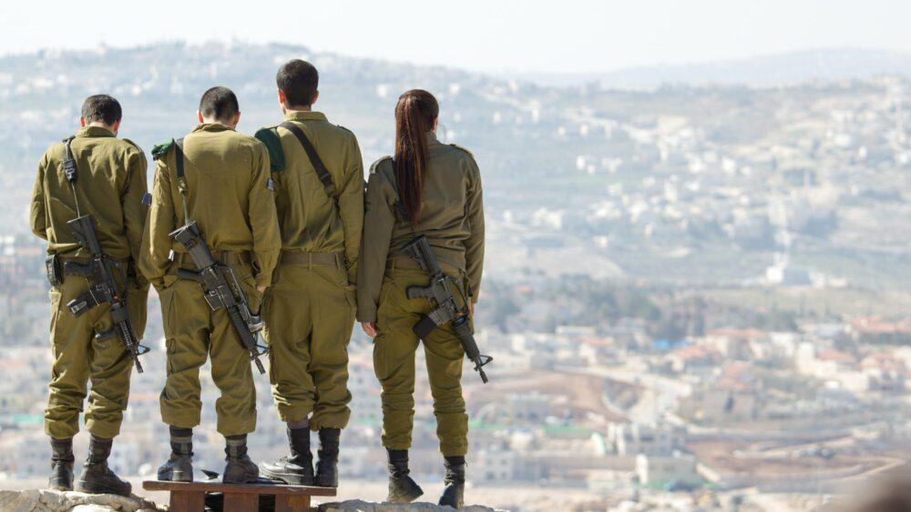 Az izraeli fiatalok harmada kihagyja a sorkatonai szolgálatot