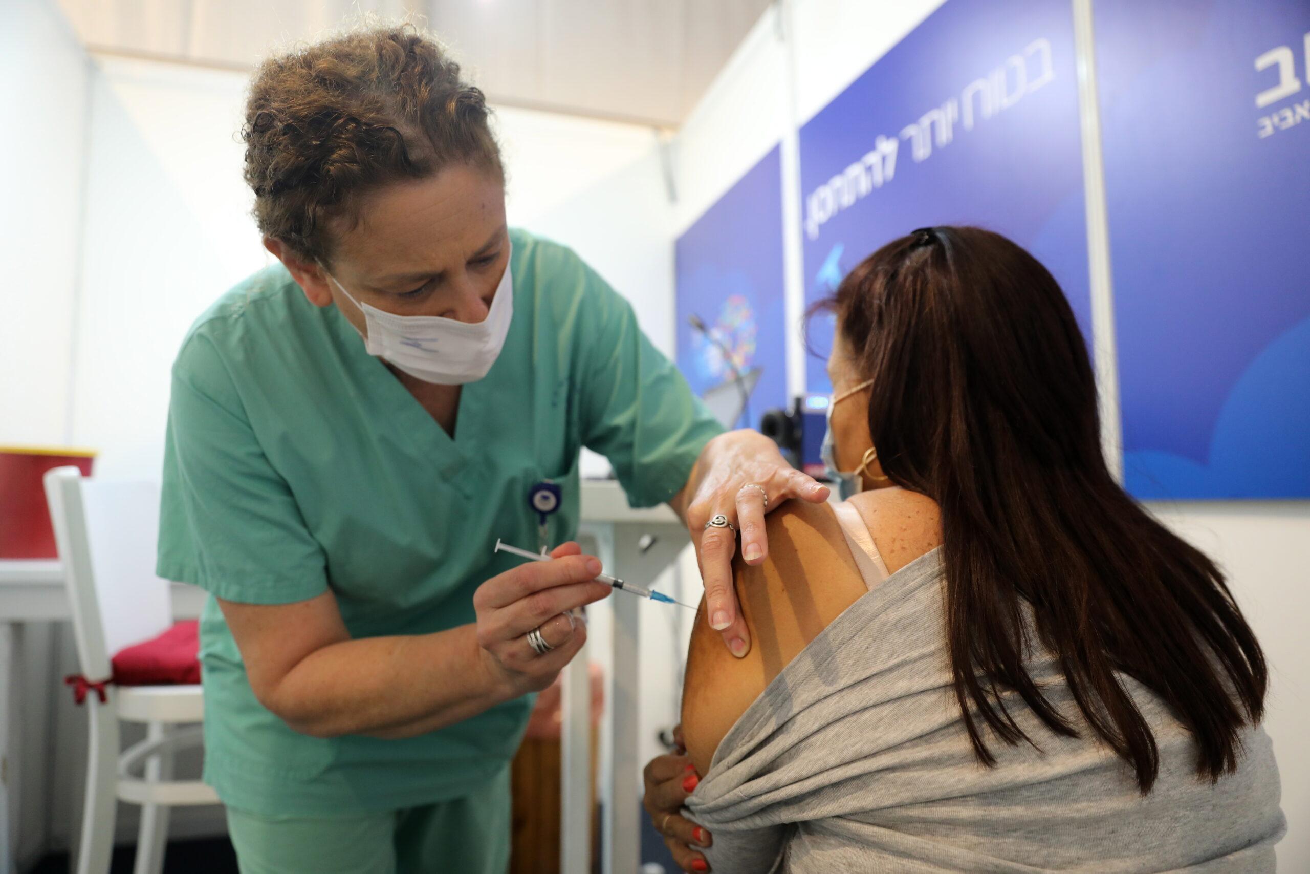 A Pfizer nem szállít több vakcinát, amíg Izrael nem fizeti ki a korábbiakat