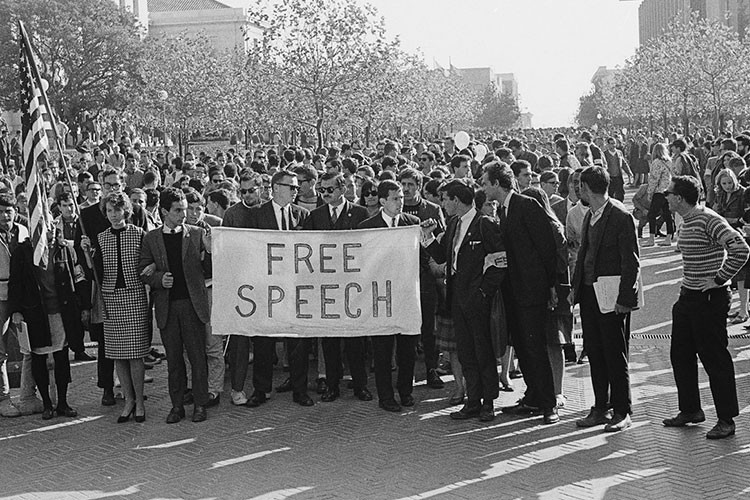 Szög a szólásszabadság koporsójába