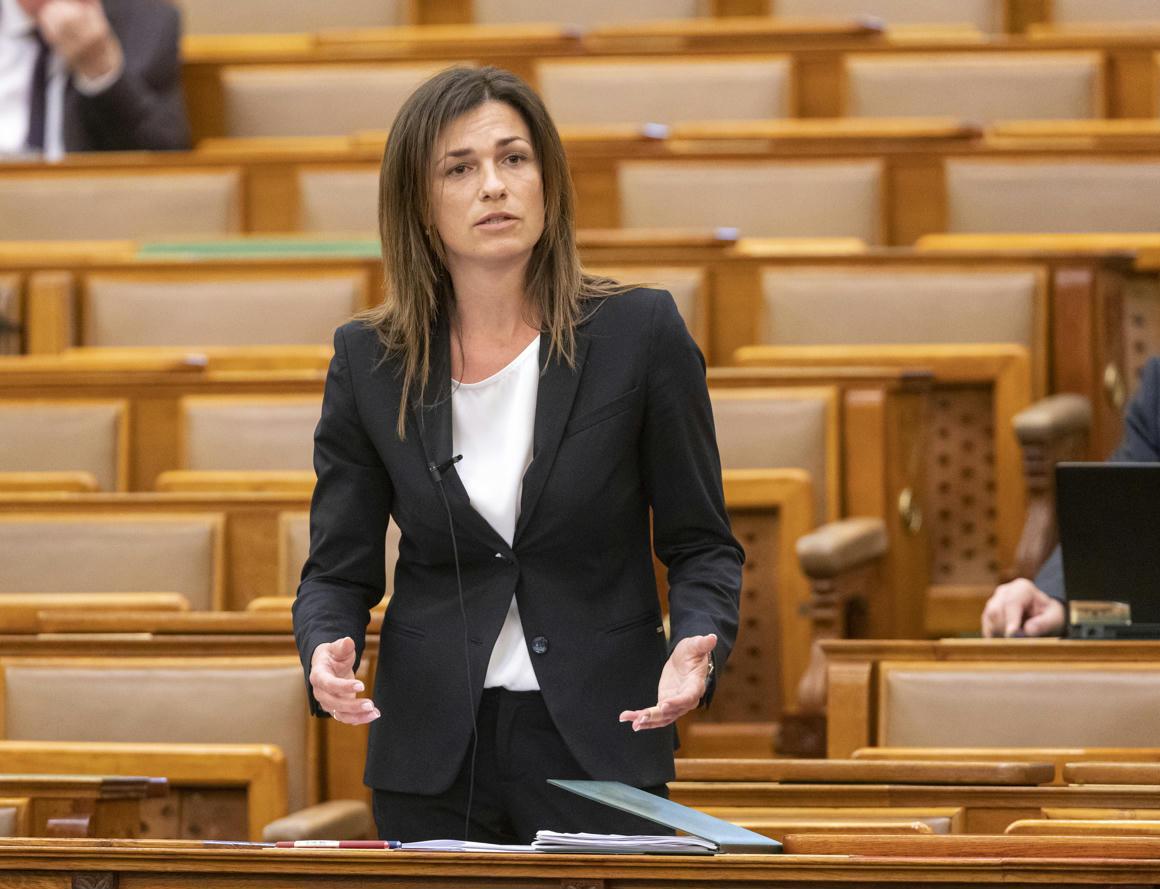 Varga Judit: Szabályozni fogjuk a nagy techcégeket