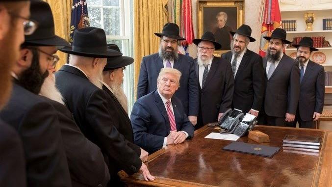 Az ortodox média továbbra is hű Trumphoz