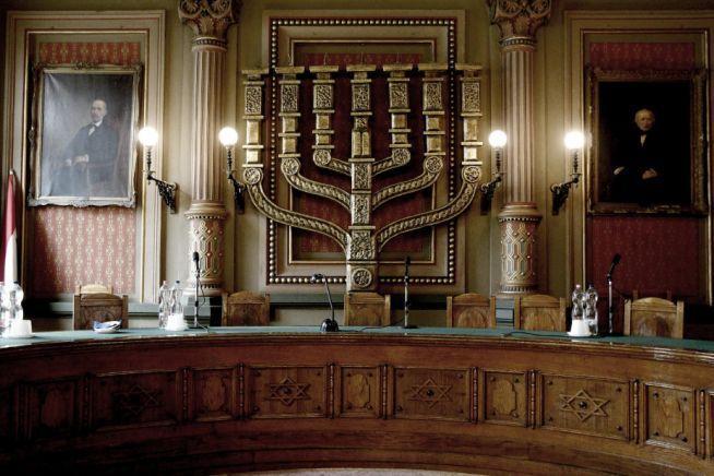 """Vezető izraeli lap számol be a Mazsihisz egyes rabbijanak """"kínos"""" ügyeiről"""