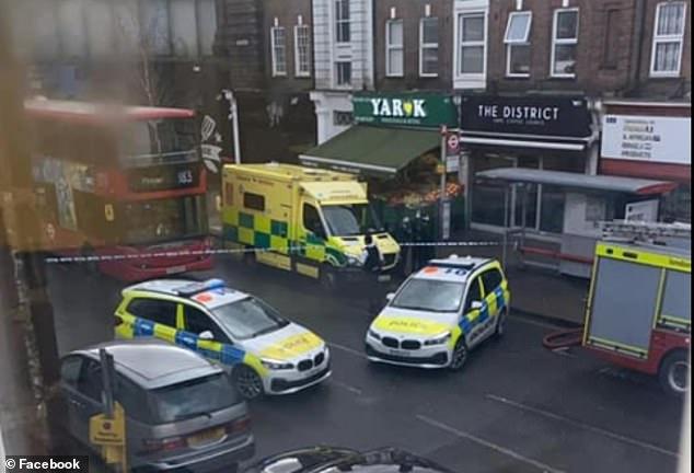 Molotov koktélt gyújtottak fel egy londoni zsinagógánál