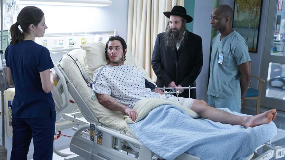 Leveszi az amerikai tévétársaság az ortodox zsidókat kifigurázó sorozat epizódját