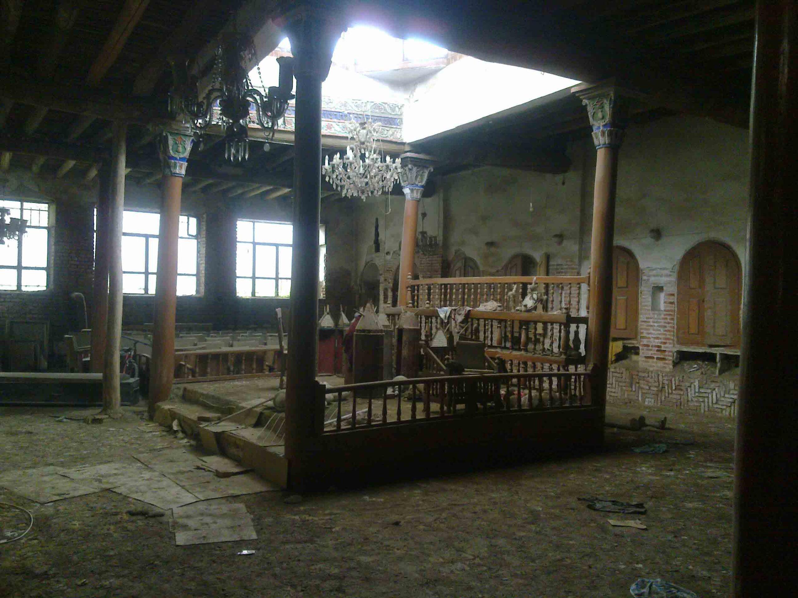 Alagutat ástak, hogy zsinagógából lopjanak Iránban