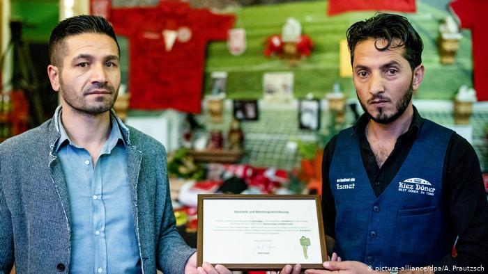 Nem akármilyen muszlim vendéglőt mentett meg zsidó közösségi gyűjtés Németországban