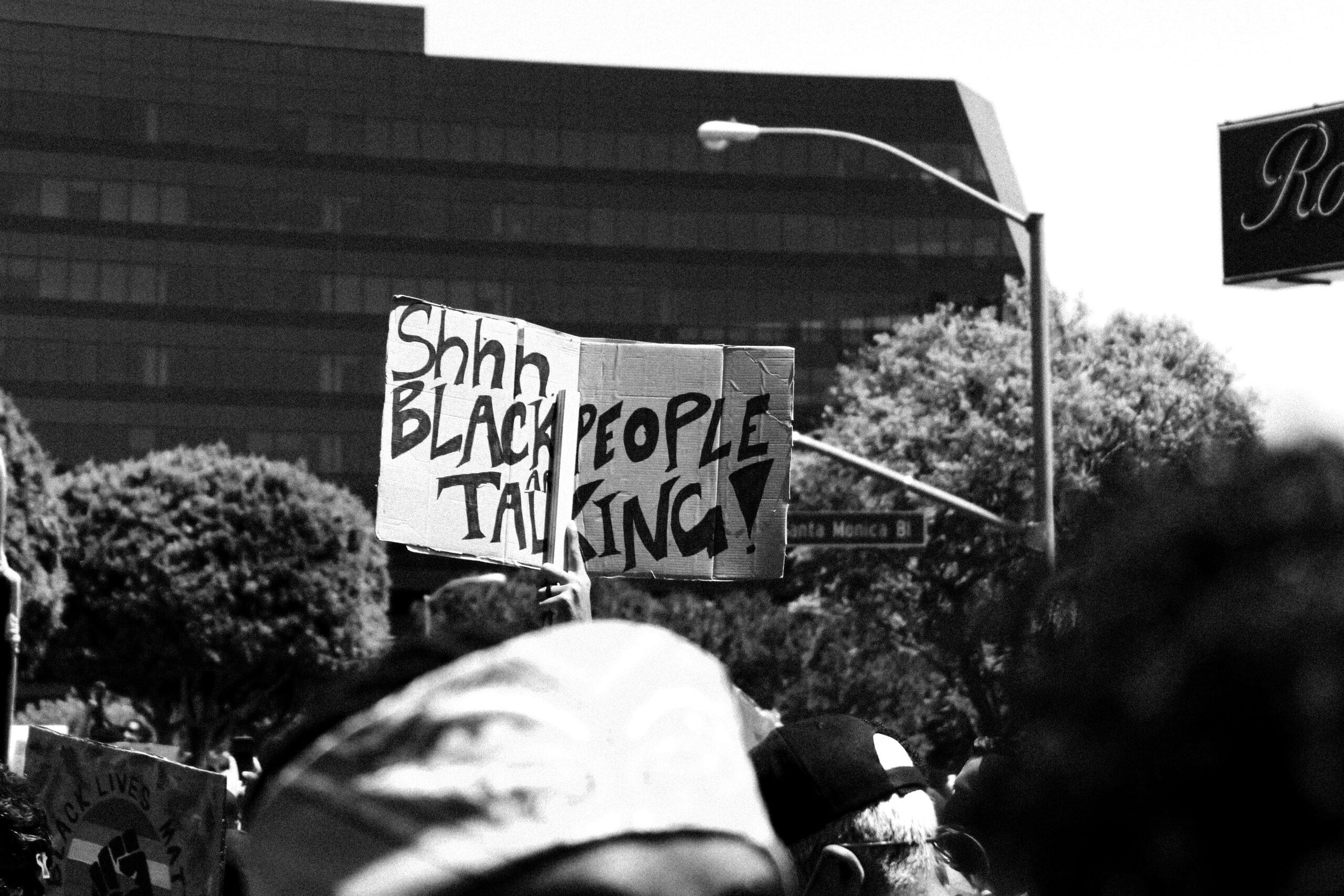 Szenvedhetnek-e fehérek faji diszkriminációt?