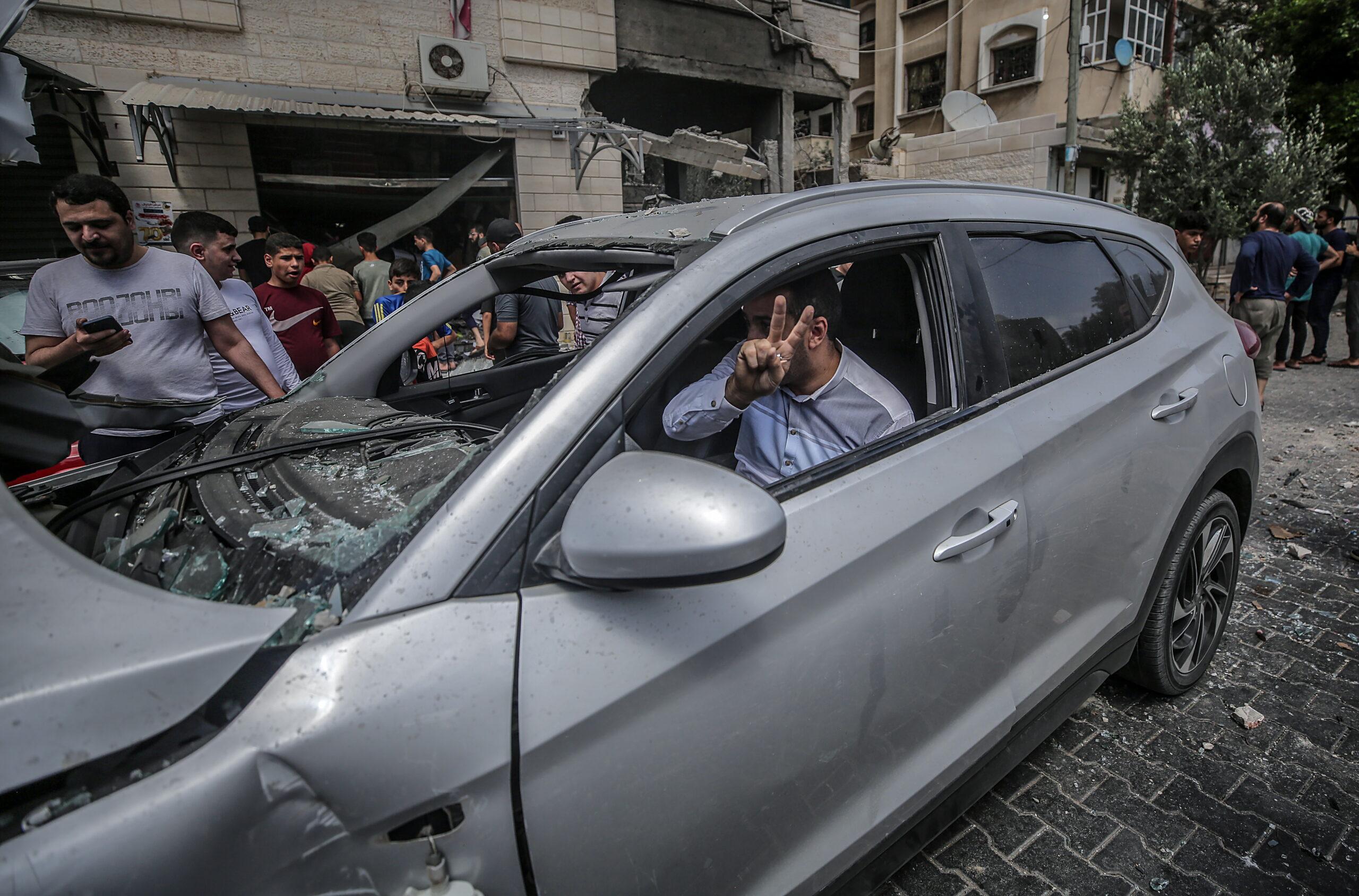 A Hamász győzelmet hirdetett, Gázában tömegek ünnepelnek