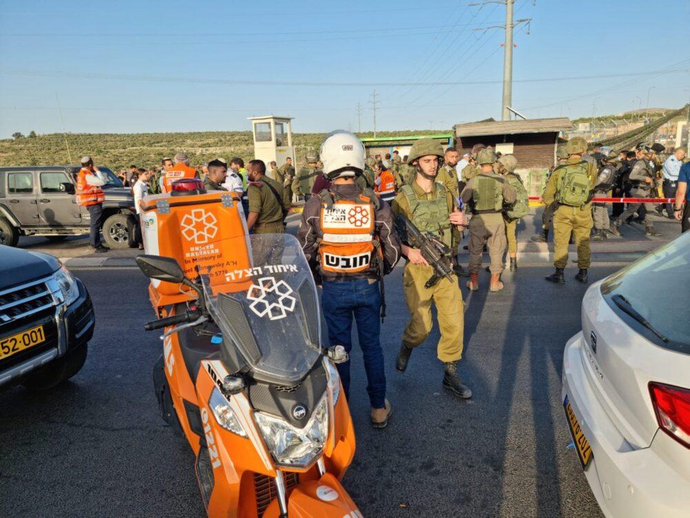 Többen megsebesültek egy ciszjordániai terrortámadásban
