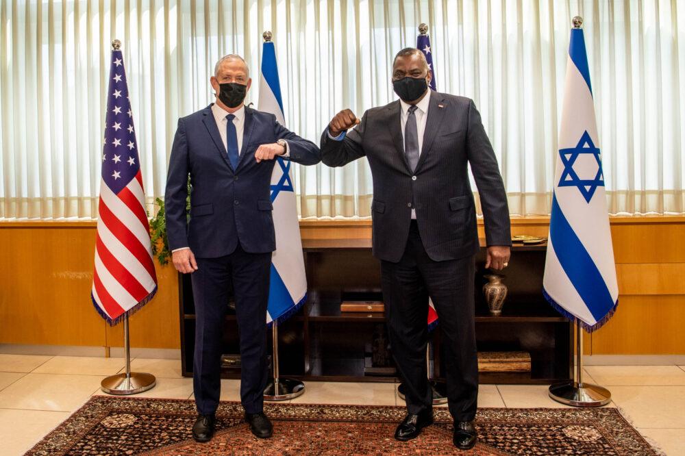 Jelentés: Az izraeli védelmi miniszter az Egyesült Államokba megy, hogy 1 milliárd dollár különleges katonai segélyt kérjen