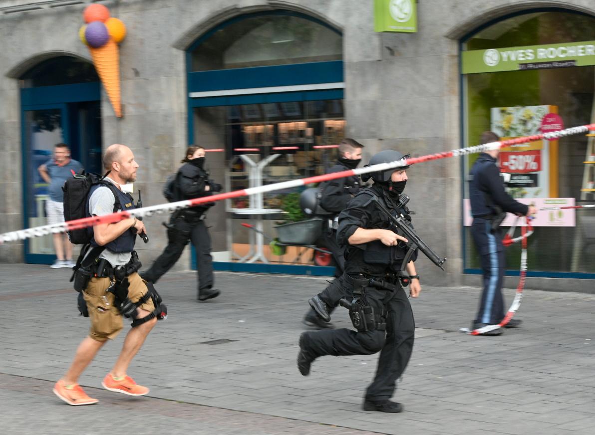 Iszlamista merénylet lehetett a németországi késelés