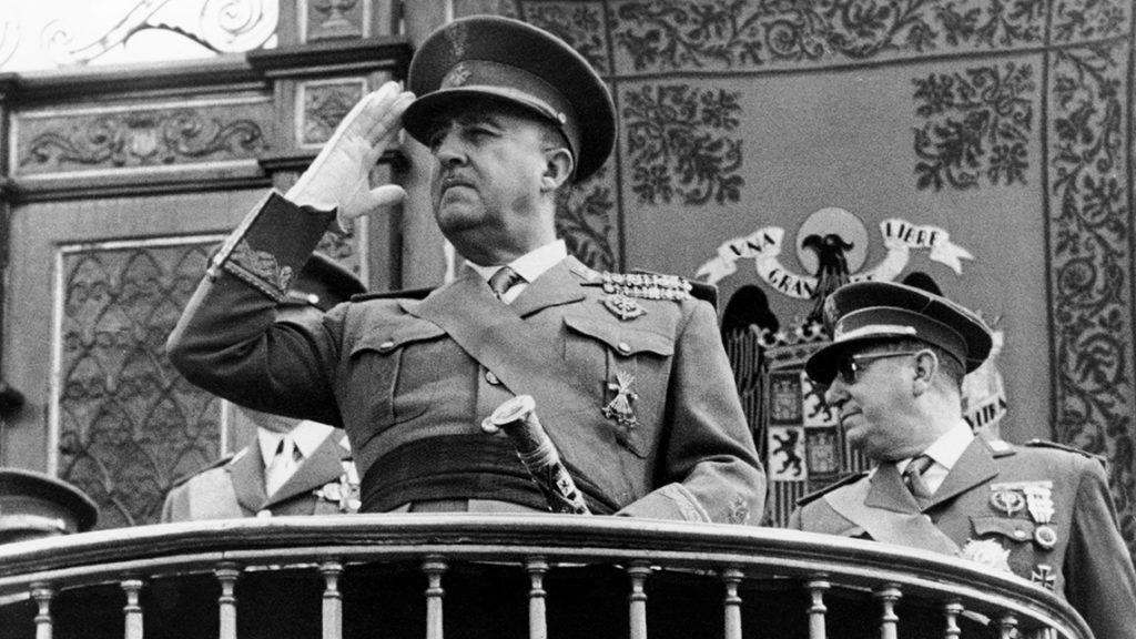 Növekvő kultúrharc Spanyolországban Franco tábornok miatt