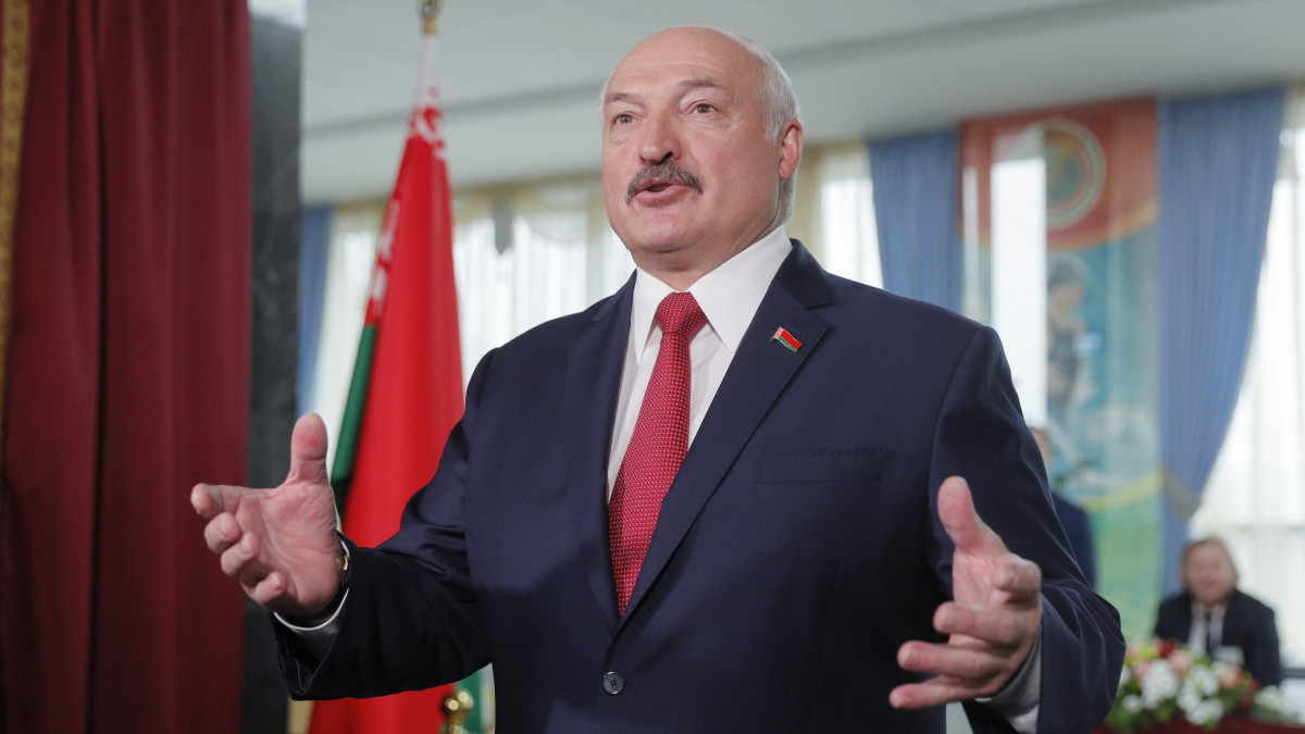 Lukasenka: A zsidók elérték, hogy az egész világ meghajol előttük