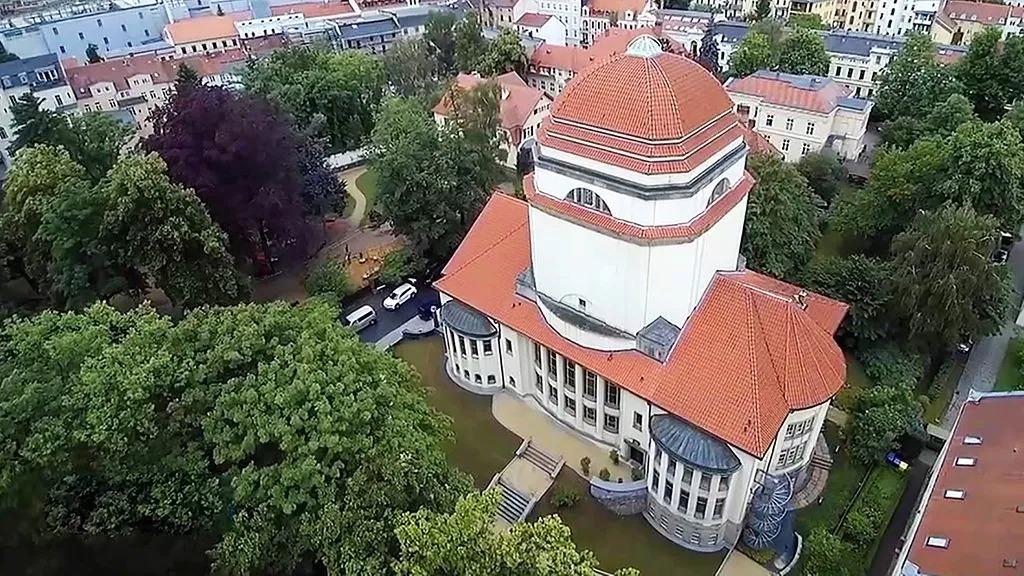 Kultúrközpont lett a díszletraktárnak használt, elárvult zsinagóga
