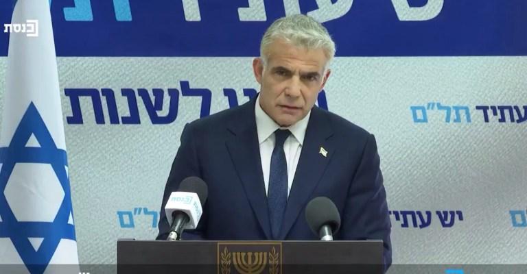Lapid: A kárpótlási-törvény súlyosan károsítja a lengyel-izraeli kapcsolatokat