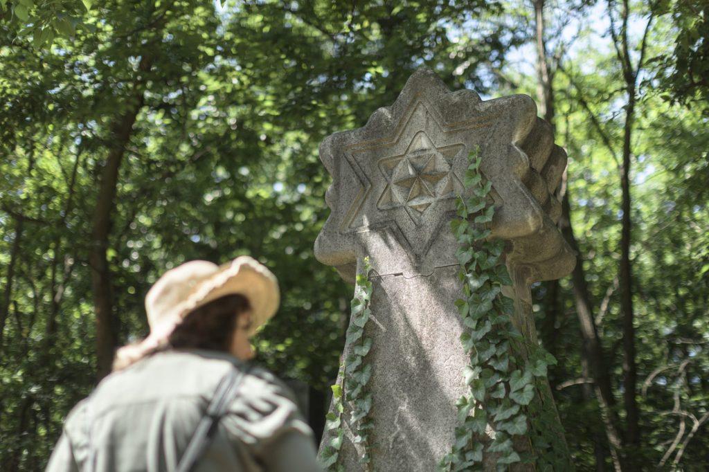 Rendbehozzák a Kozma utcai zsidótemetőt