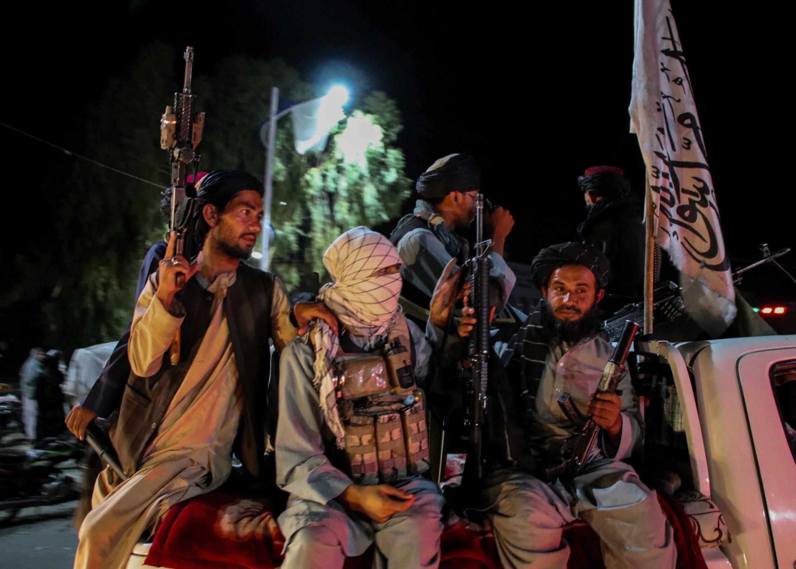 Elkezdődött a hatalmi harc a tálibok között