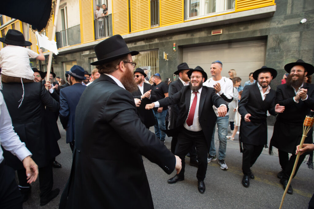 """""""Don't look back stinking Jew"""" — Antisemitic harrassment at inauguration ceremony of EMIH synagogue"""