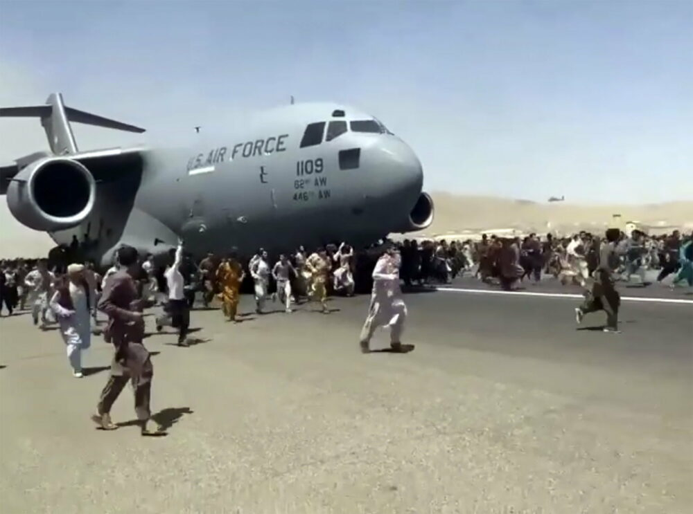 Kinek a sara az afganisztáni kudarc?