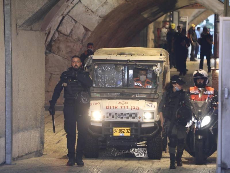 Eladósodott palesztin orvos volt a jeruzsálemi késes merénylő