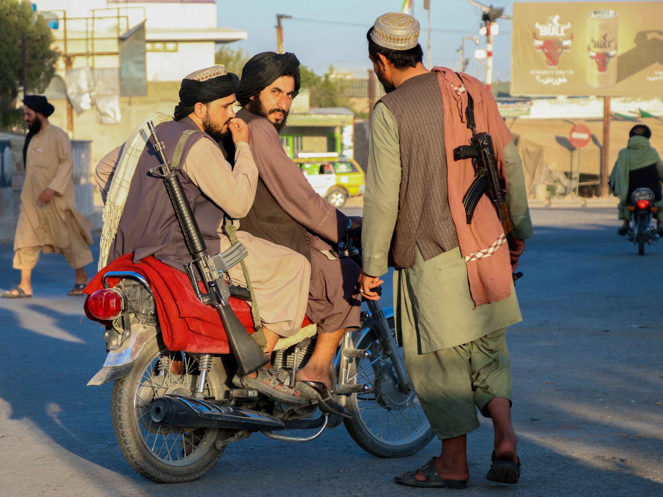 Tálib háborús bűncselekmények: fegyverteleneket mészároltak le, köztük egy 17 éves lányt is