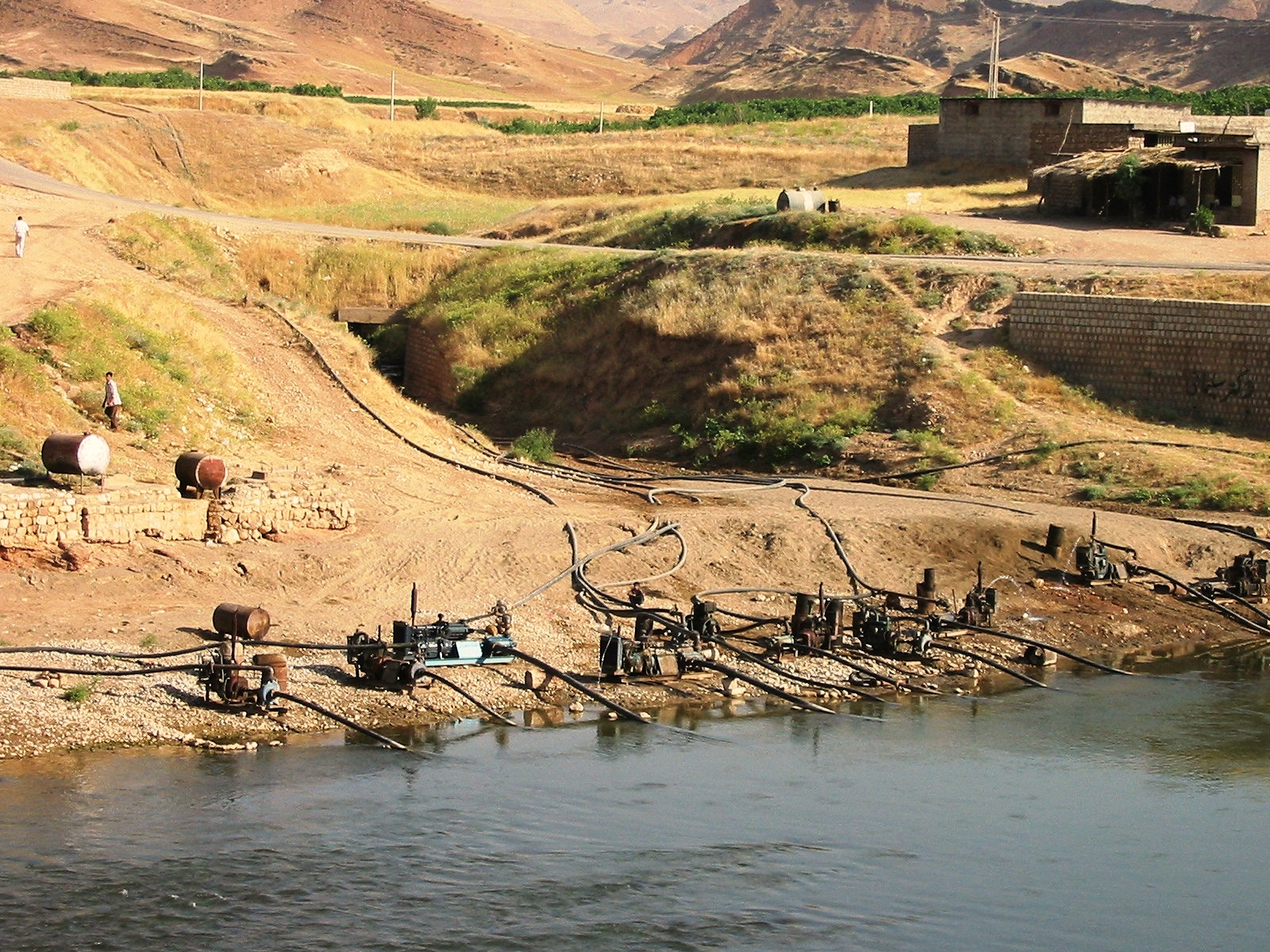 Vízhiány fenyegeti Iránt, és ezért csak magát okolhatja