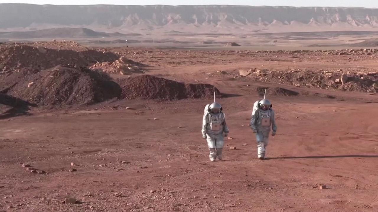 Videó: Izraelben trenírozzák a Marsra készülő űrhajósokat