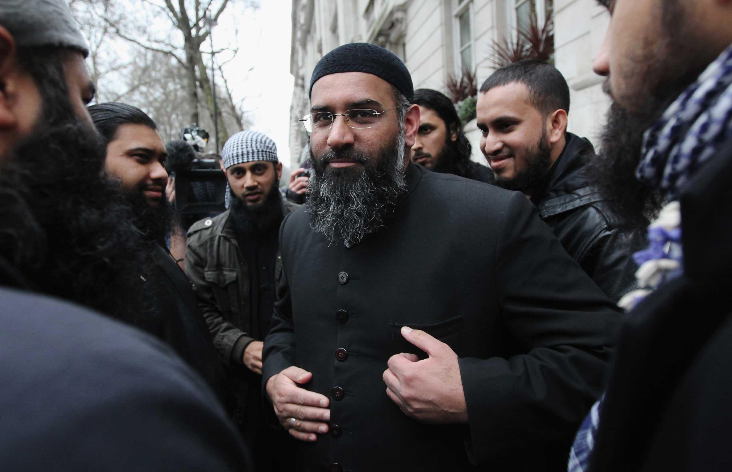 Radikális iszlám hitszónok szerint azért gyilkolták meg a brit képviselőt, mert támogatta Izraelt
